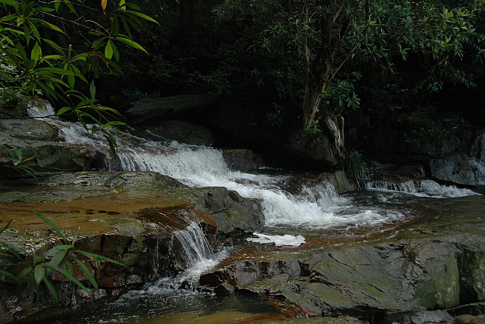 Mahkota Waterfall